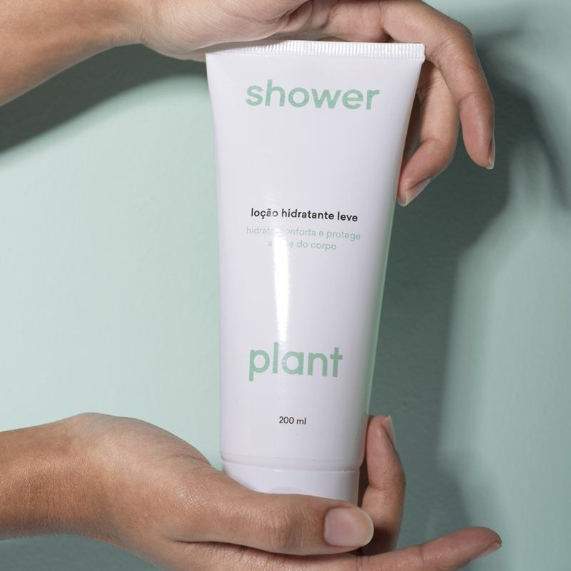https://showerplant.com/collections/frontpage/products/locao-hidratante-leve?utm_source=lolla&utm_medium=post-site&utm_campaign=showerplant-lolla