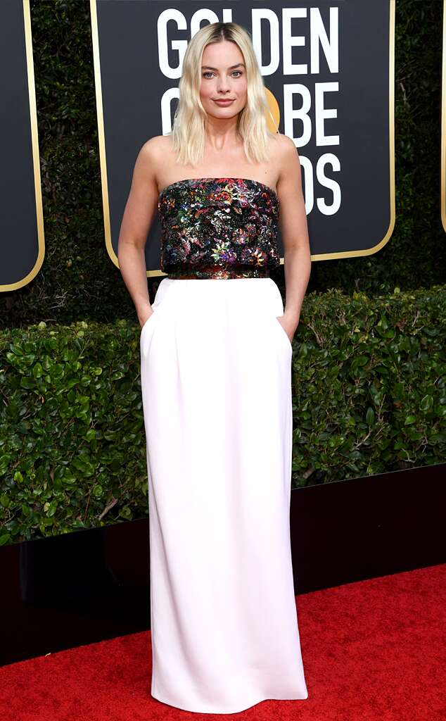 rs 634x1024 200105160255 634 2020 golden globes red carpet fashions Margot Robbie - 7 Lovely Moments of the Golden Globes