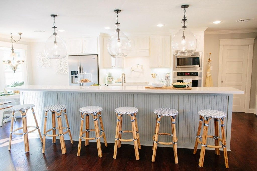 Fixer Upper Season 3 Episode 13 The Green Mile House - Week of Outfits