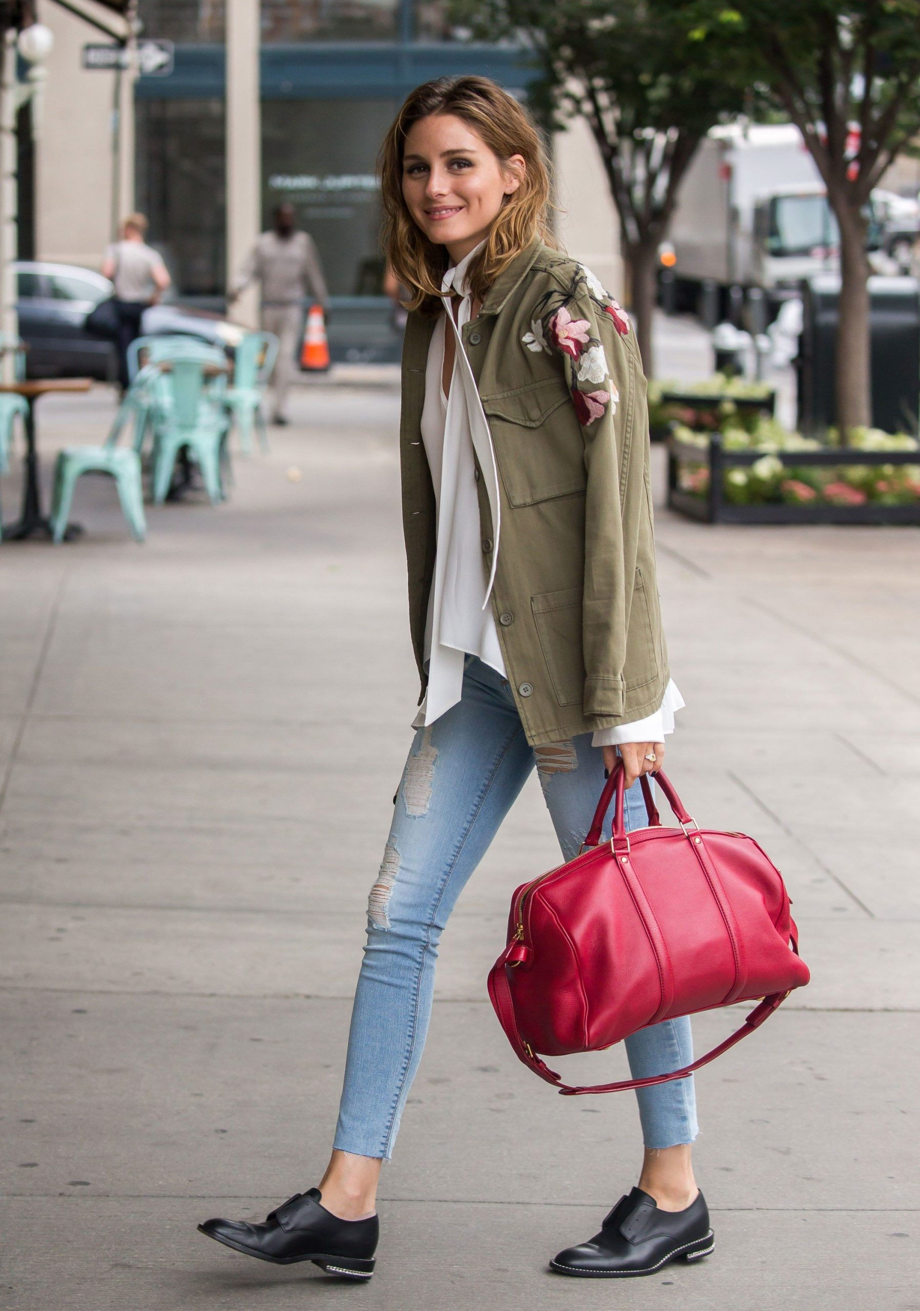 Olivia Palermo in Topshop Misha Nonoo Black Orchid Louis Vuitton and Givenchy in New York City scaled - Back to The Office: Chic & Cool Looks Para Trabalhar Lolla Approved