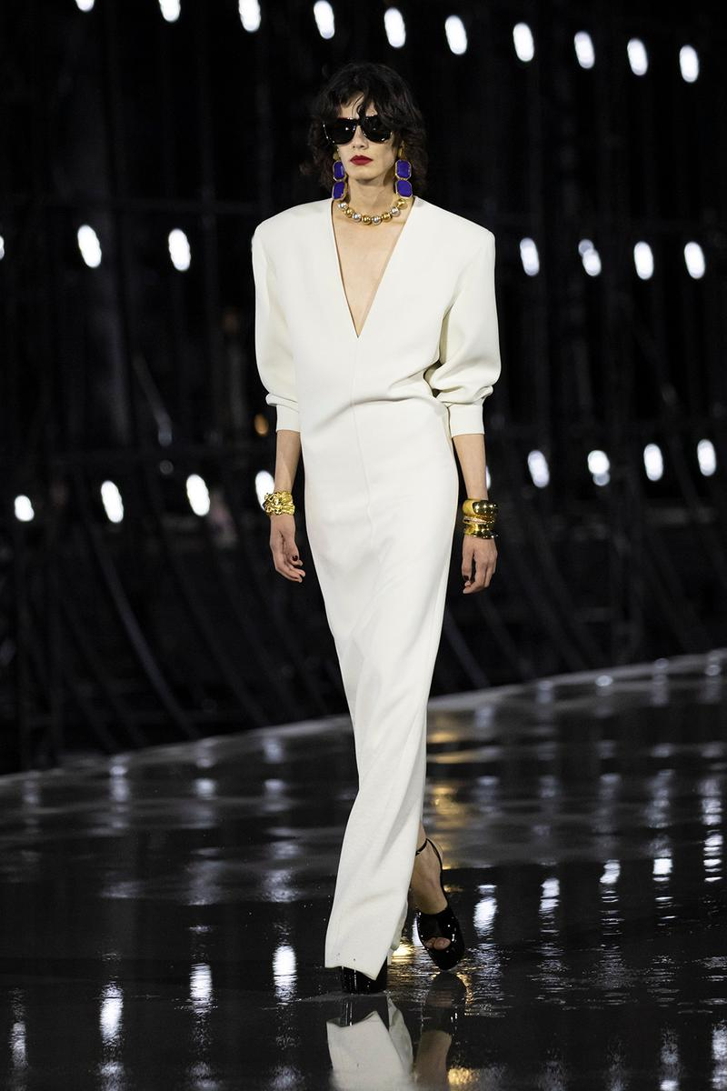 https hypebeast.com wp content blogs.dir 6 files 2021 09 saint laurent ysl spring summer 2022 collection paris fashion week anthony vaccarello runway show 1 - Paris Fashion Week: Lovely Fashion Moments